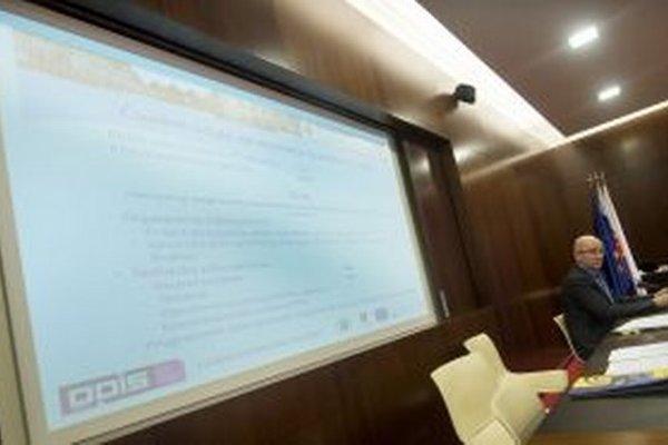 Štatistický úrad SR si nacvičil sčítavanie hlasov.