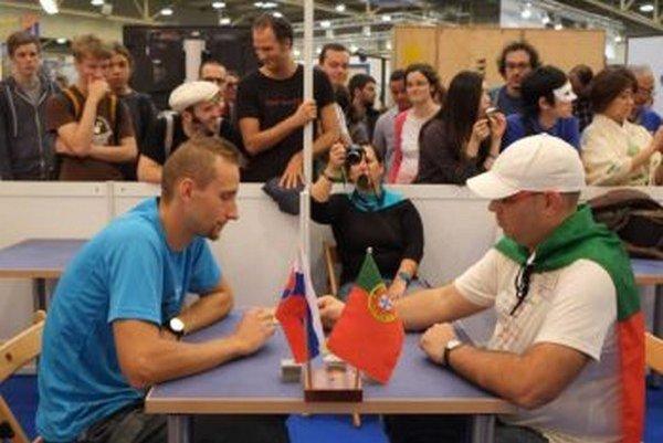 Matej Tabak (vľavo) narazil na MS v súboji o bronz na Portuglačana Ricarda Gomesa.