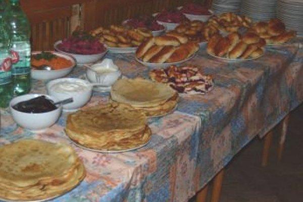 Palacinky-tzv. bliny a ďalšie ruské špeciality mohli okoštovať návštevníci na Lipovci.