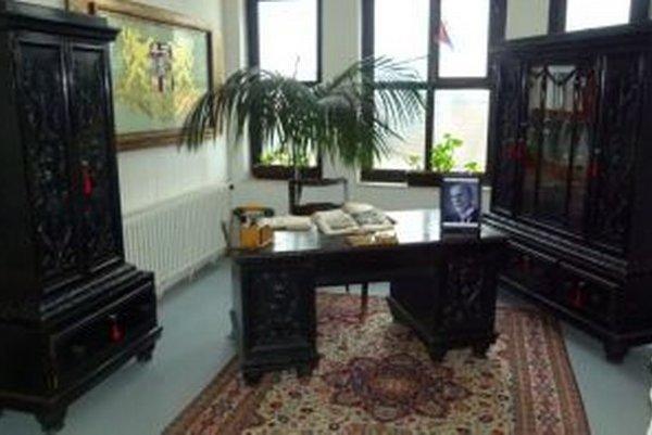 Prezidentova pracovňa je vystavená na úrade na Bystričke.