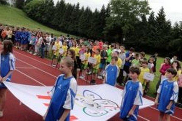 Dnes na atletickom štadióne v Martine na Severe otvorili ďalší ročník Turčianskych hier mládeže.