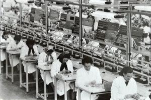 Začiatky výroby v Tesle Orava.