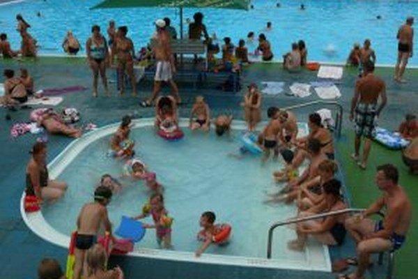 Kúpalisko vo Vrútkach, návštevníci by privítali väčší detský bazén.