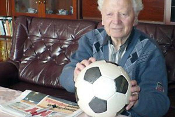 Predseda klubu Bohumil Kvasnica je vo funkcii 45 rokov.