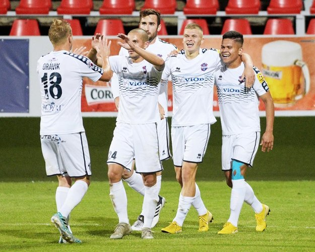Vďaka gólu dorastenca Jakub Šveca FC ViOn remizoval s Ružomberkom 1:1.