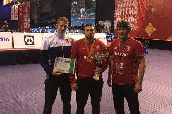 Košickí zápasníci sa nestratili ani v Minsku, v strede bronzový Boris Makojev.