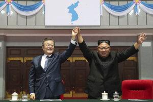 Kim juhokórejskému prezidentovi Mun Če-inovi prisľúbil, že demontuje a natrvalo zavrie z aj hlavné zariadenie na skúšky jadrových zbraní Jongbjon ak Trump splní na čom sa dohodli na summite.