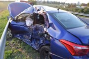 Vodič osobného auta zomrel na mieste.