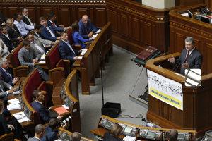 Ukrajinský parlament schválil orientáciu krajiny smerom s Únii a NATO.
