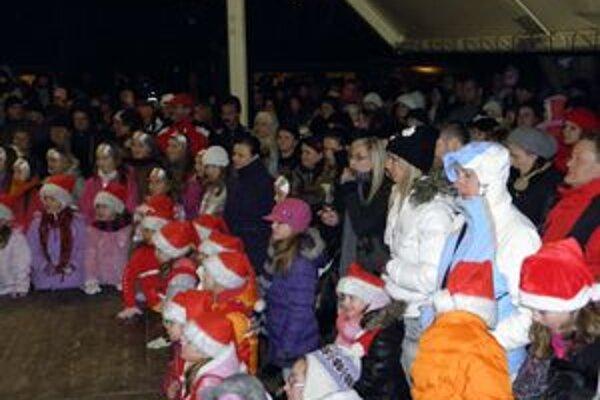 Deti čakali na darčeky a prekvapenia.