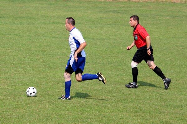 Futbalové triedy pokračovali ďalším kolom. Ilustračné foto.