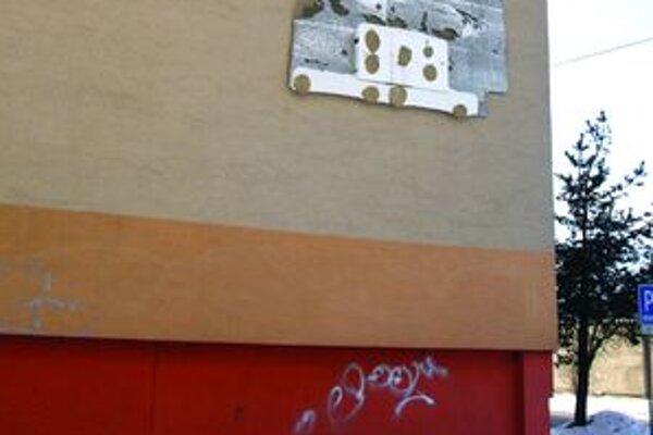 Takto dopadla jedna z martinských bytoviek aj pre problémy spôsobené nedostatočnou prípravou rekonštrukcie.