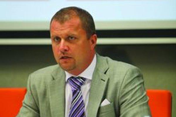 Prímátor Martina Andrej Hrnčiar je jedným zo signatárov zmien volieb a referenda.