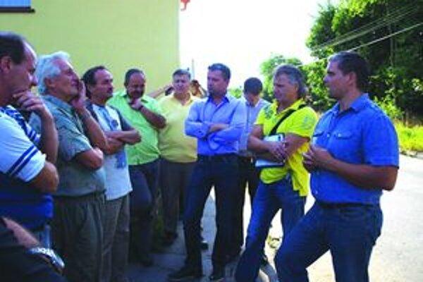 Na Kratinovej ulici. S jej obyvateľmi sa počas Dňa mestskej časti v Priekope stretol primátor s poslancami a vedením Turvodu.