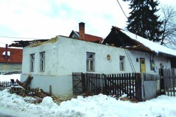 Dom bez strechyPadla minulý týždeň pod ťarchou snehu, obyvateľke sa nič nestalo.