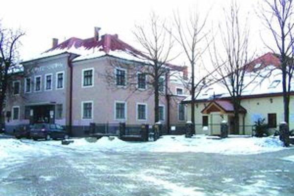 Nové gymnázium má nadväzovať na prácu evanjelickej základnej školy.