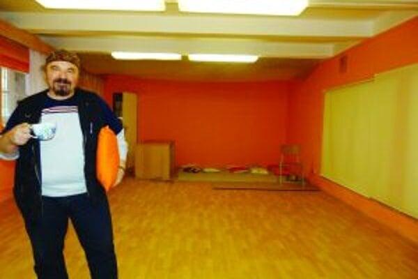 Univerzálne miesto. V klube chce Jano Cíger organizovať besedy, posedenie pri hudbe, čítačky pri čaji, uvíta aj brušné tance a remeselníkov.