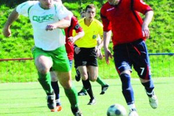 Marka Dunjiča (v červenom) spočiatku nebolo veľmi vidno, no v druhom polčase sa blysol parádnym gólom.