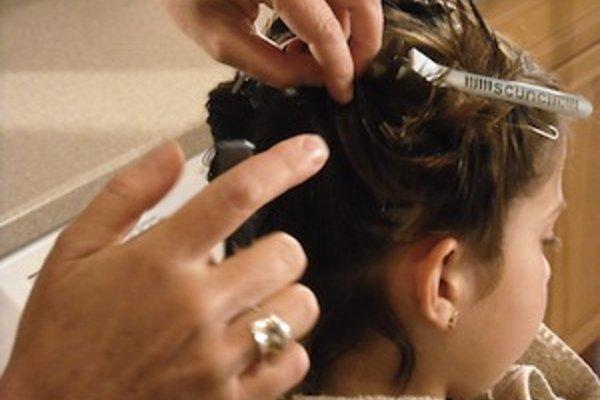 Deťom treba pre výskyt vší vlasy pravidelne kontrolovať.