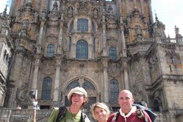 Pri Katedrále sv. Jakuba v Compostele. Roman celkom vpravo.
