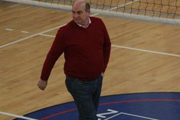 Pred novou sezónou čaká volejbalového manažéra Jána Hošalu ešte veľa práce.
