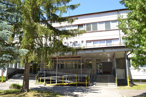 Gastroenterologická ambulancia bude sídliť v budove polikliniky na Komenského ulici.