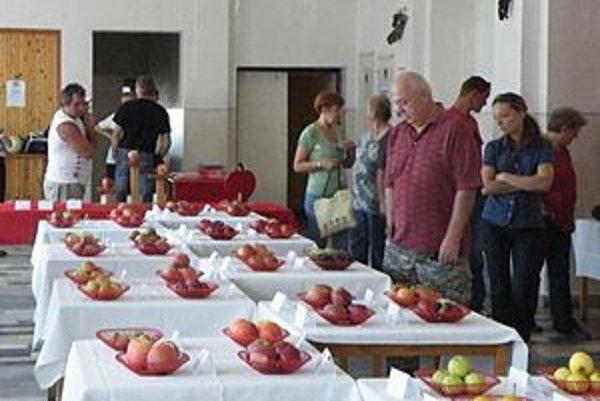 Na výstave ovocia.