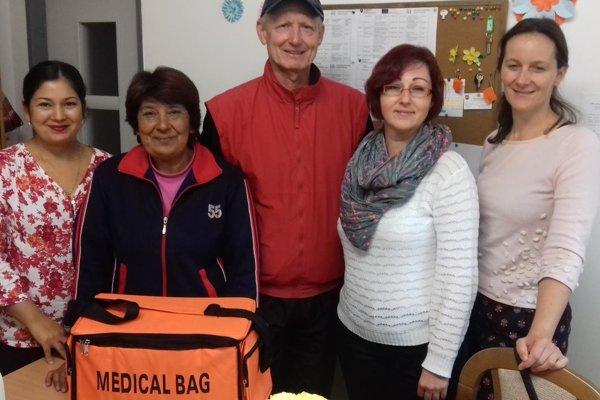 Odovzdávanie medicínskej tašky prvej pomoci