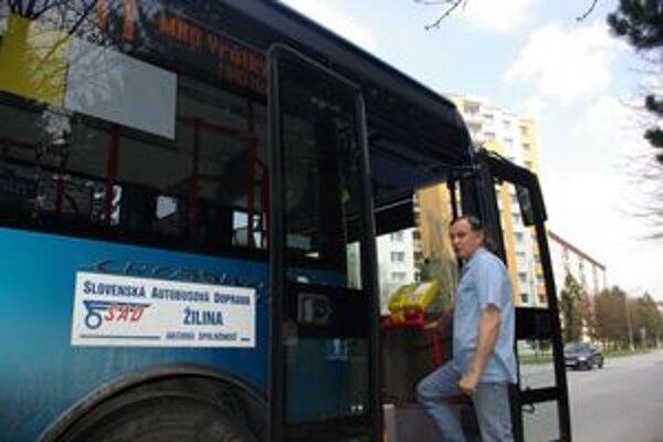 Jaroslav Vengrín jazdí na autobuse už vyše dvadsať rokov.
