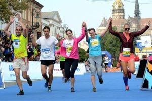 Medzinárodný maratón mieru je výzva aj pre rekreačných bežcov. Tí však vminulosti dlho štartovať nemohli.