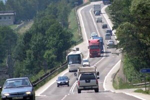 Sučianski hasiči tvrdia, že nehodu pri Šútove riešia každý týždeň.
