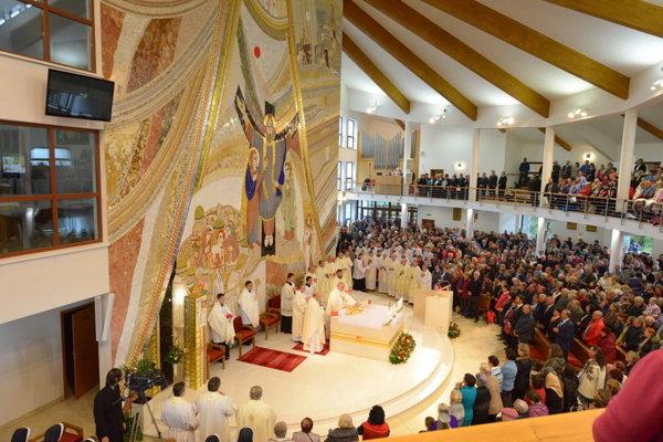 Zajtra sa v chráme uskutoční svätá omša, ktorá začína o 12. hodine.