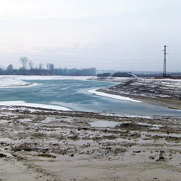 Pri Váhu vznikla nová vodná plocha na oddych a rekreáciu.
