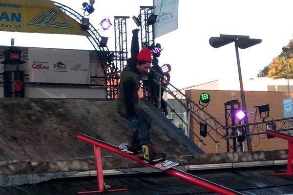 Triky na snowboarde.