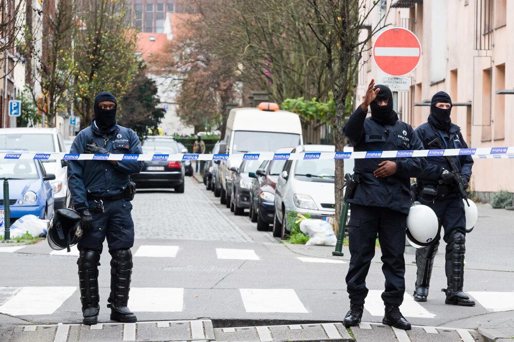Belgická polícia obsadila Molenbeek hneď po tom, ako sa ukázalo, že práve odtiaľto pochádza jeden z najhľadanejších radikálov.