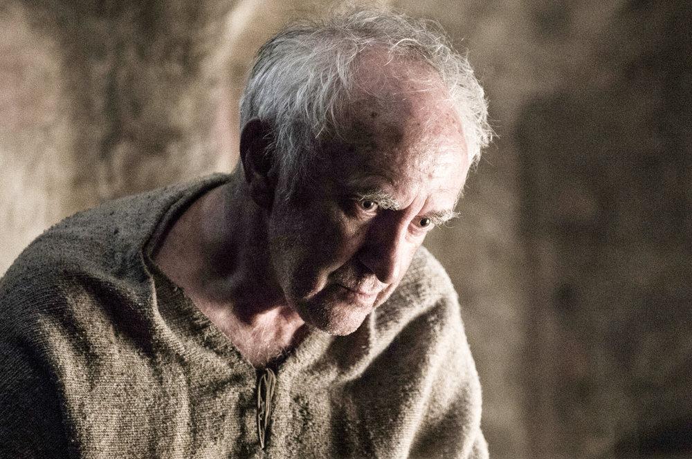 Jonathan Pryce ako High Sparrow, ktorý chce zbaviť kráľovstvo smilstva.