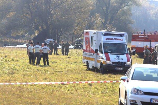 Lietadlo sa zrútilo na polia pri sliačskom družstve.