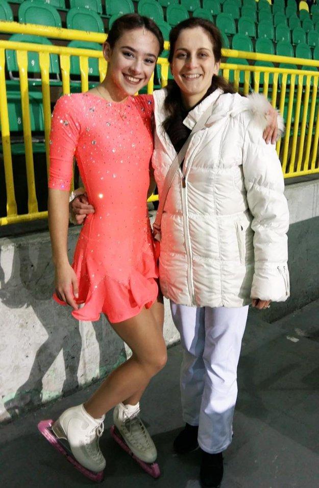 Juniorka Ema Gabániová a trénerka Drnzíková.
