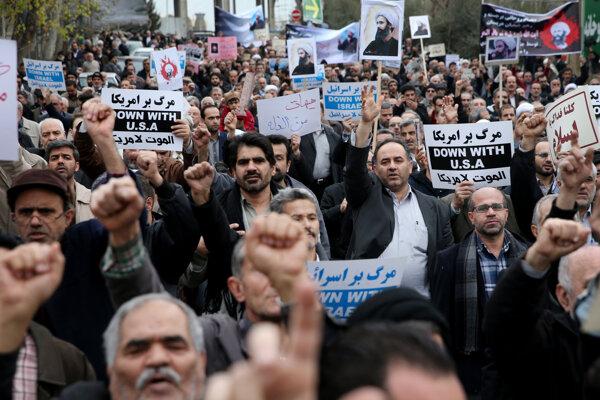 Napätie medzi oboma regionálnymi veľmocami a rivalmi sa zvýšilo po tom, ako v Saudskej Arábii popravili popredného šiitského duchovného Nimra an-Nimra.