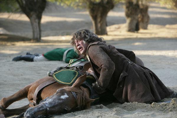 Chavier Bardem ako inkvizítor Lorenzo.
