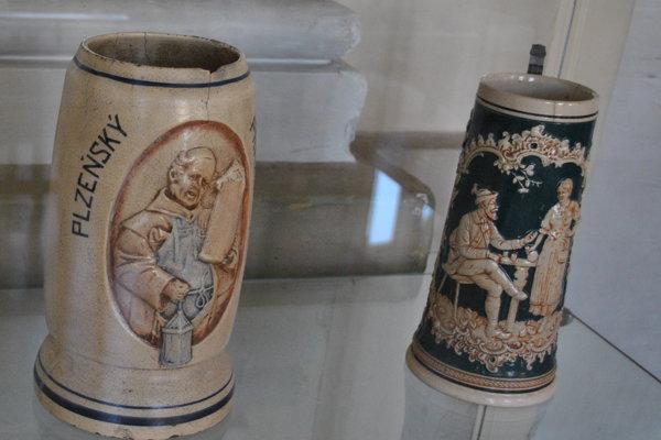 Október je mesiacom piva, výstavu mu venovali aj Ponitrianskom múzeu.