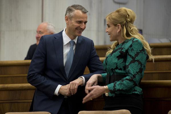 Primátorka Humenného Vaľová v rozhovore s niekdajším prvým mužom mesta Košice Richardom Rašim (Smer).