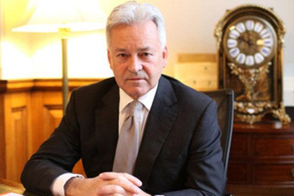 Alan Duncan je britský minister pre Európu.