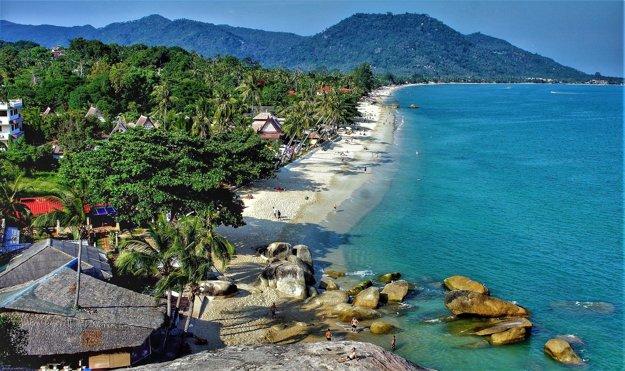 Typická pláž na ostrove Koh Samui.