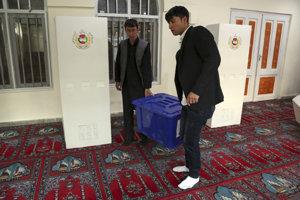 V Afganistane sa opäť otvorili volebné miestnosti.