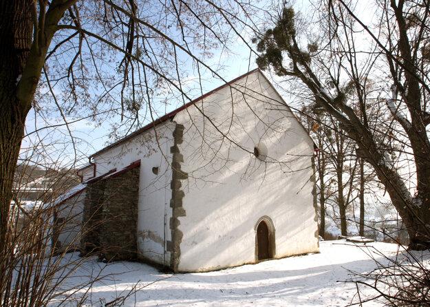 Pôvabný kostolík sv. Michala Archenjela v Hornej Mičinej
