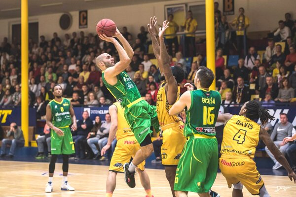 Tomič potvrdzuje svoje kvality aj vdrese Levíc. Priemer má viac ako 12 bodov na zápas.