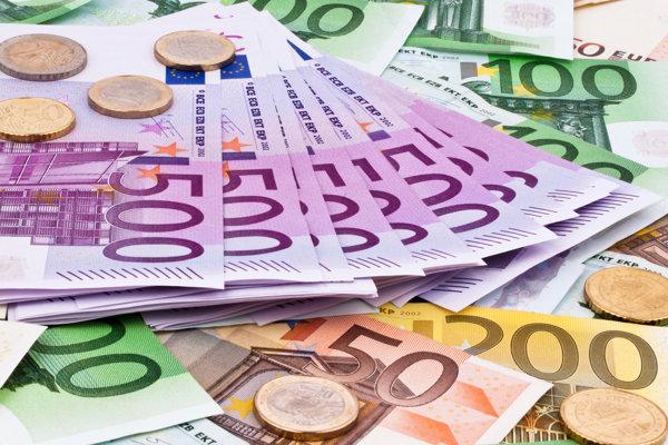 Štát prišiel na poistnom o vyše 400-tisíc eur.