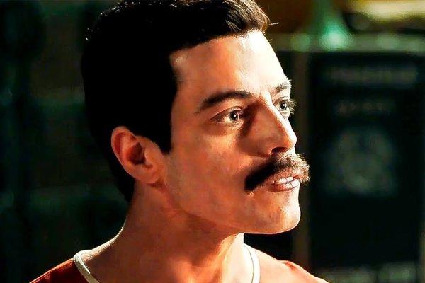 Rami Malek ako Freddie Mercury vo filme Bohemian Rhapsody.