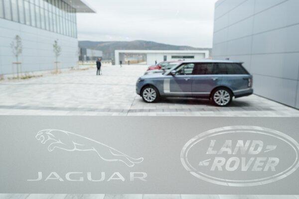 Výrobný závod Jaguar Land Rover v Nitre 25. októbra 2018.